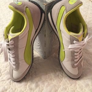 Puma Genuine Leather Running Shoes
